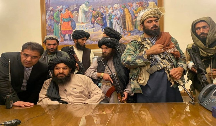 আফগানিস্তান: তপ্ত কড়াই থেকে উনুনে